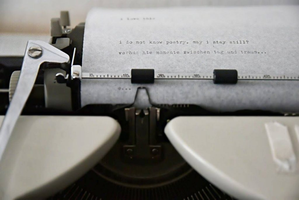 irma Chacall , Typewriter, I do not know poetry